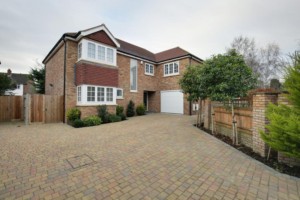 5 Bedrooms Detached House for sale in Charvil