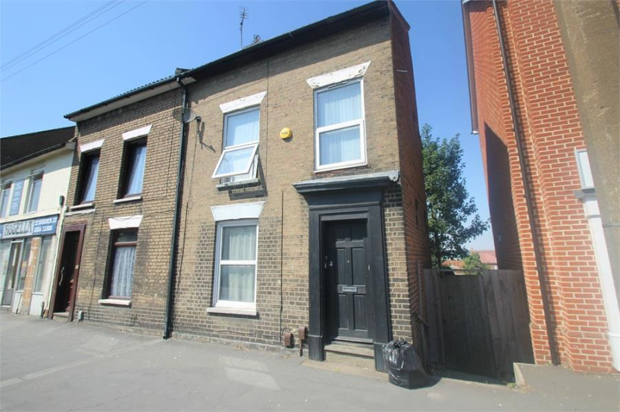 3 Bedrooms Duplex Flat for sale in Two Flats, East Colchester, Essex