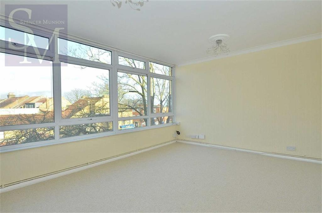 1 Bedroom Flat for sale in Lindal Court, South Woodford, London