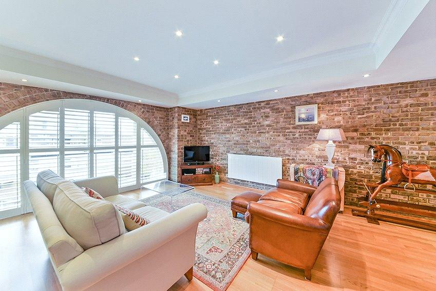 1 Bedroom Flat for sale in Presidents Quay, St Katharines Way, Wapping, London, E1W