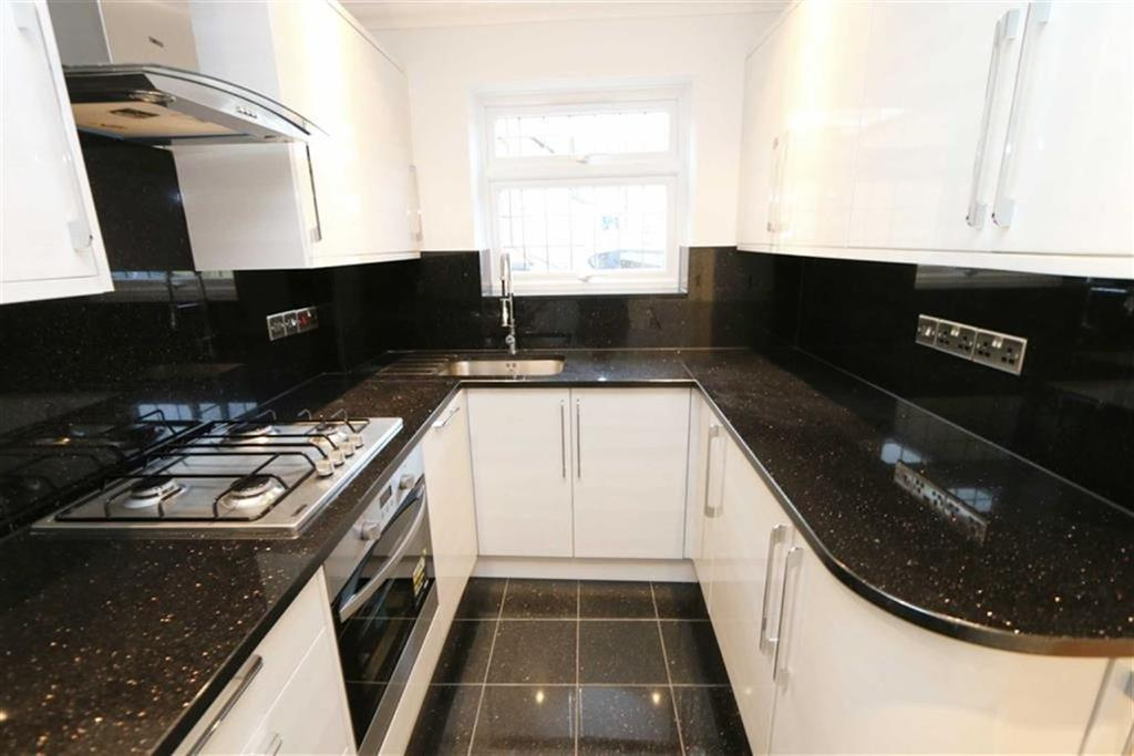 2 Bedrooms End Of Terrace House for sale in Speranza Street, Plumstead, London, SE18