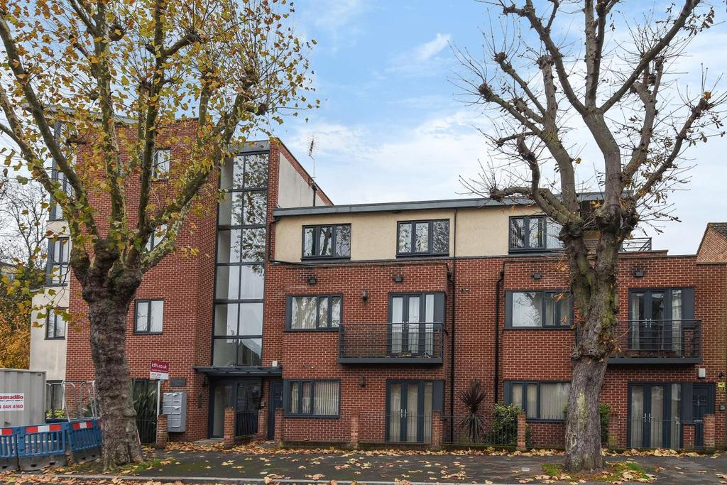 2 Bedrooms Flat for sale in Palace Road, Tulse Hill