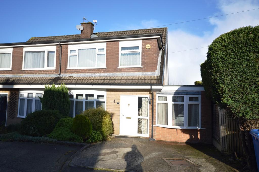 3 Bedrooms Semi Detached House for sale in Langdale Avenue, Lymm