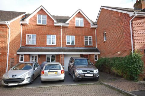3 bedroom townhouse to rent - FARNHAM, Surrey