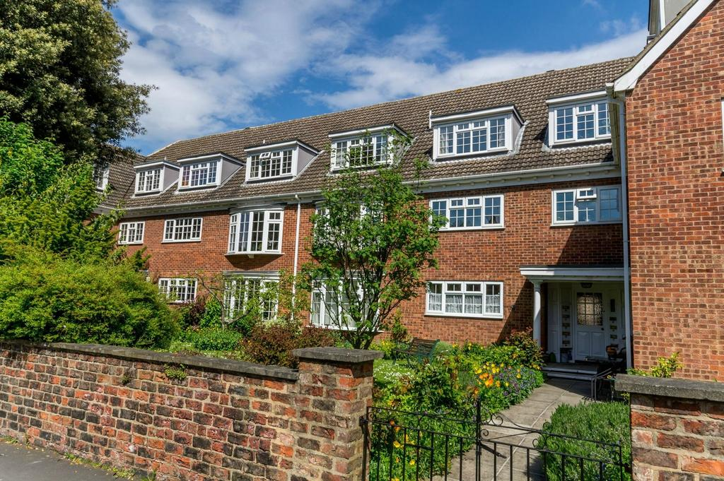 2 Bedrooms Flat for sale in Arncliffe Mews, Fulford, York