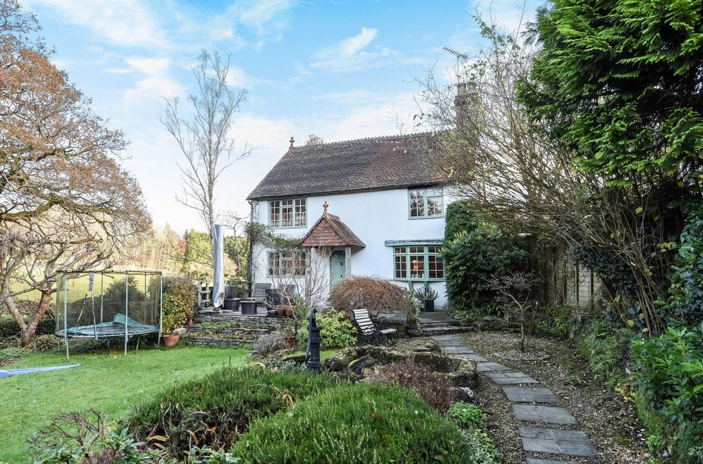 4 Bedrooms Detached House for sale in Primrose Lane, Liss, GU33