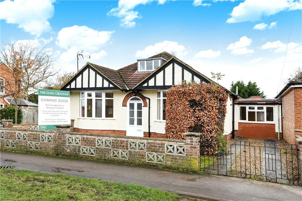 2 Bedrooms Detached Bungalow for sale in Tickford Street, Newport Pagnell, Buckinghamshire