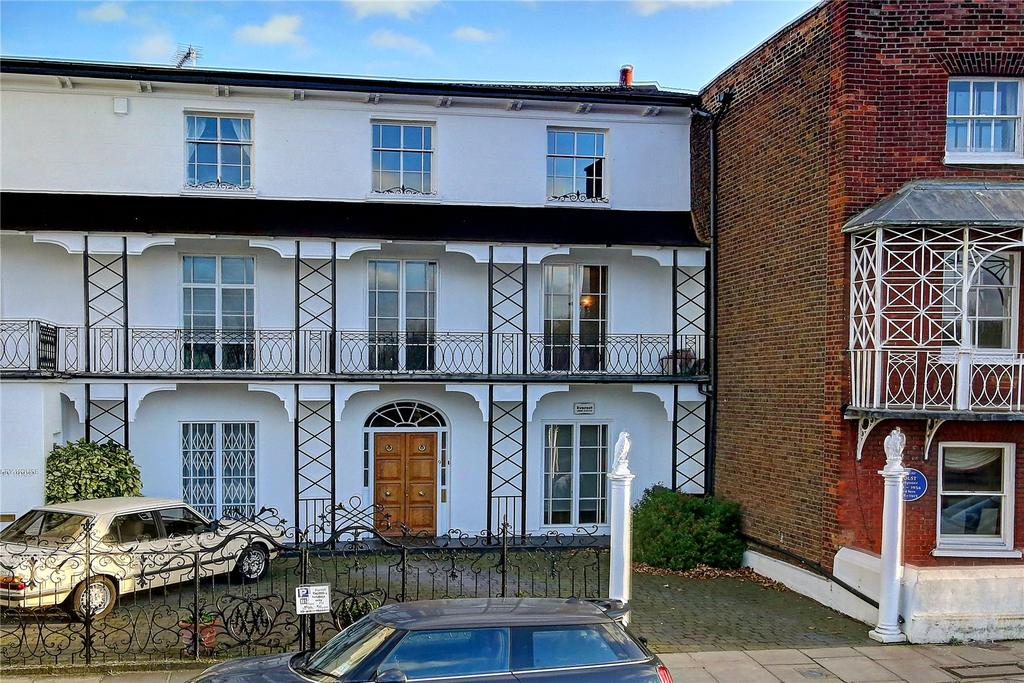 3 Bedrooms House for sale in The Terrace, London, SW13