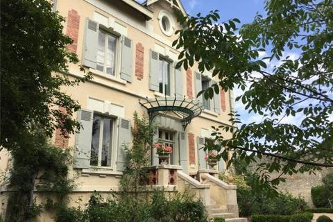 5 bedroom house - Thouars, Deux-Sevres, France