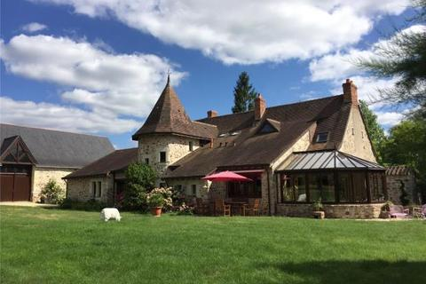 4 bedroom country house - Bauge-En-Anjou, Maine-Et-Loire, France