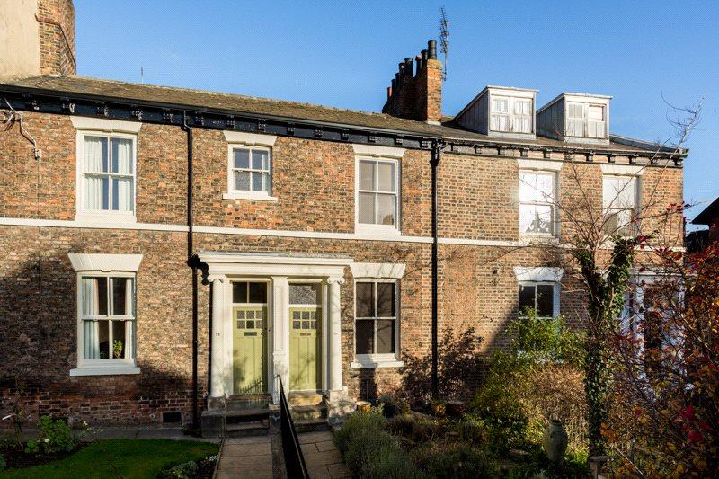 3 Bedrooms Terraced House for sale in Holgate Road, York, YO24