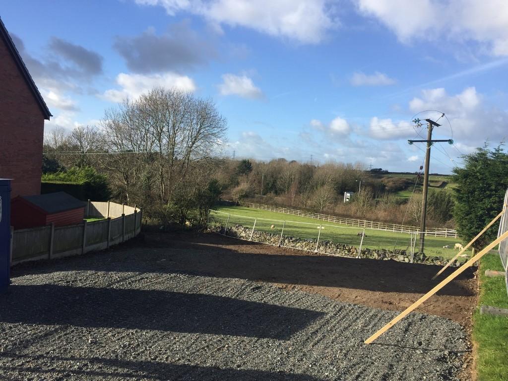 4 Bedrooms Detached House for sale in Collen Wen, Llanfairpwll, North Wales