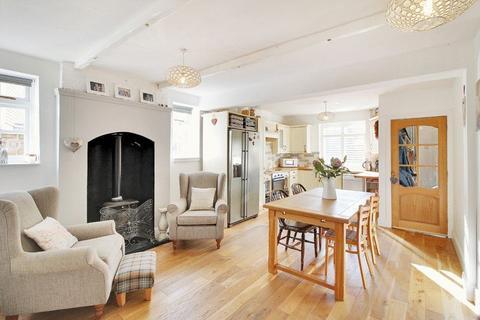 2 bedroom end of terrace house for sale - Littlehaven Lane, Horsham