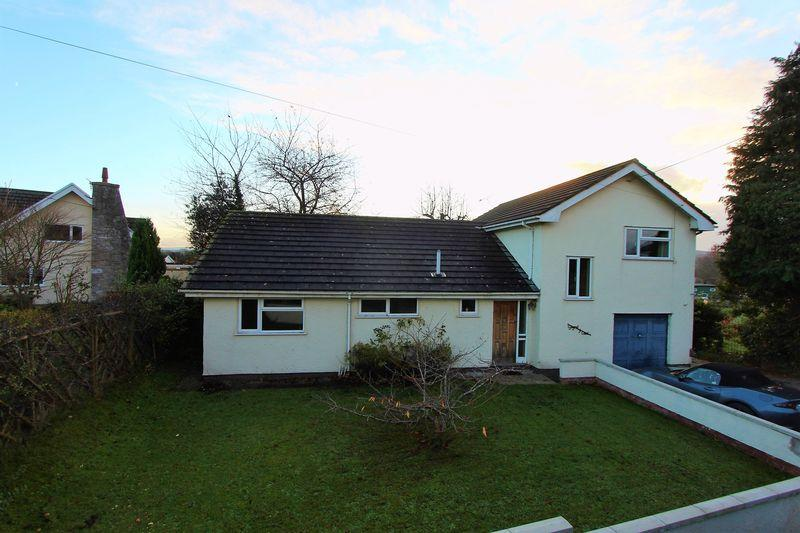 3 Bedrooms Detached House for sale in Gellifor, Ruthin