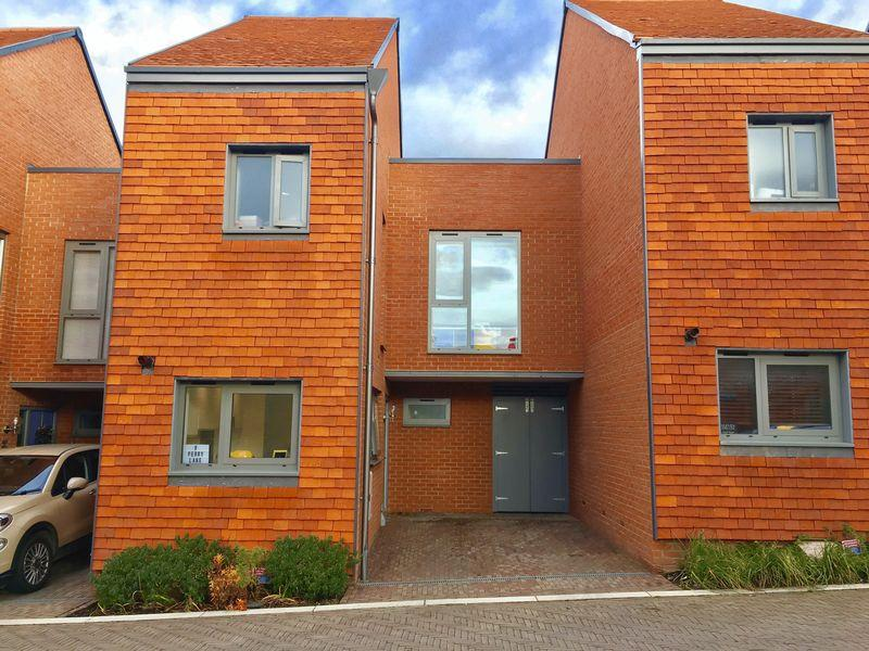 2 Bedrooms Link Detached House for sale in Perry Lane, Newhall