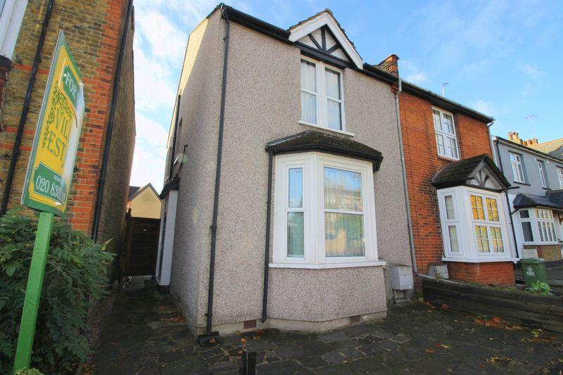 3 Bedrooms Semi Detached House for sale in Sidcup Hill, Sidcup DA14 6HY