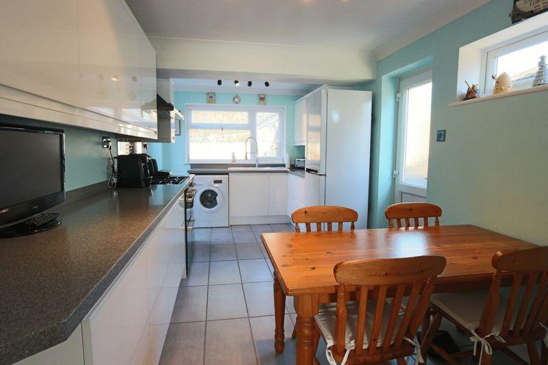 3 Bedrooms Detached Bungalow for sale in Blackberry Way, Oulton Broad