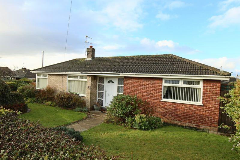 2 Bedrooms Detached Bungalow for sale in Dedham Drive, Lowestoft