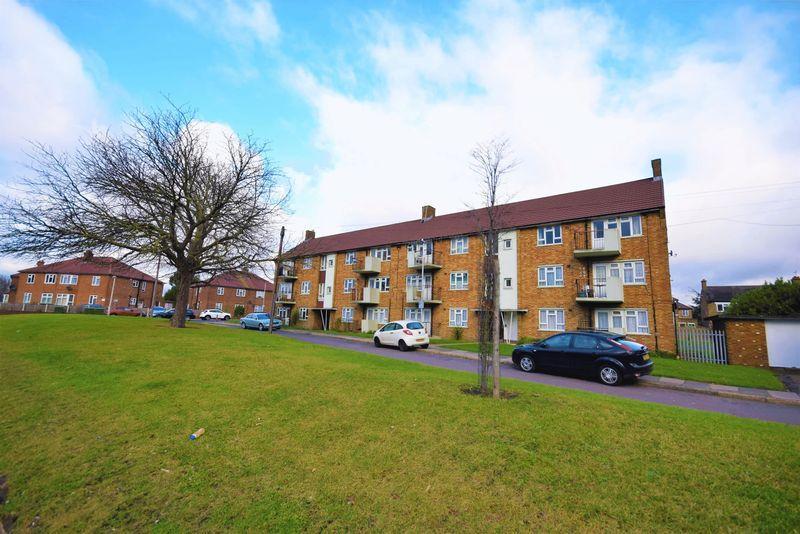 1 Bedroom Apartment Flat for sale in Rainham Road South, Dagenham