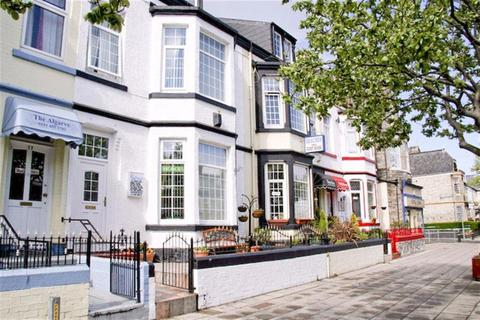 8 bedroom terraced house for sale - Ocean Road, South Shields, South Shields
