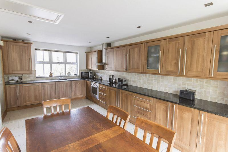 3 Bedrooms Detached Bungalow for sale in STENSON ROAD, DERBY