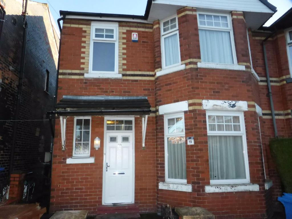 3 Bedrooms Semi Detached House for sale in Mowbray Avenue