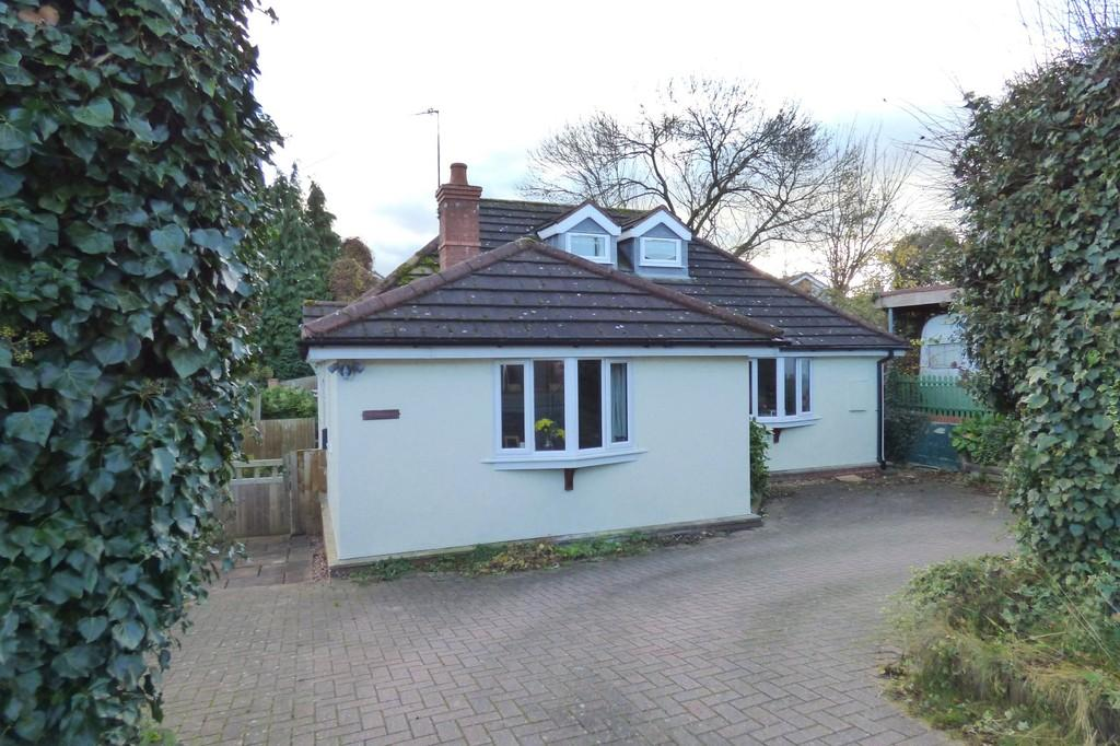 2 Bedrooms Bungalow for sale in Reason Road, Stafford
