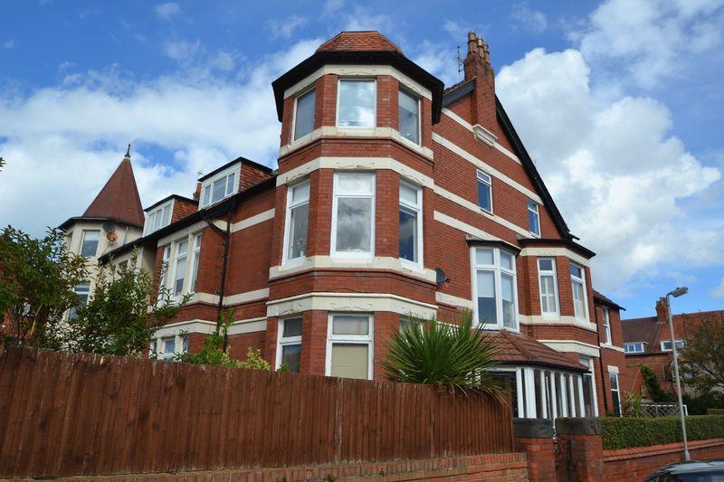 3 Bedrooms Apartment Flat for rent in Curzon Road, Hoylake