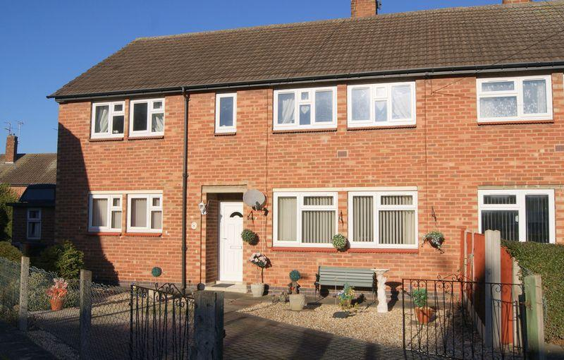 2 Bedrooms Apartment Flat for sale in Langdale Close, Newark