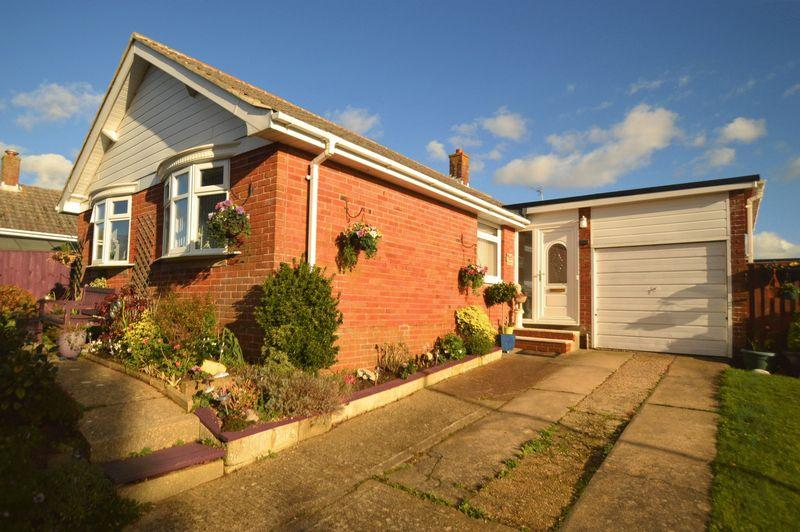 3 Bedrooms Detached Bungalow for sale in SHANKLIN