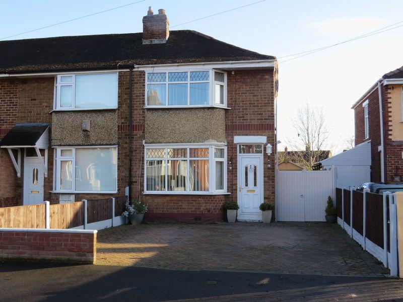 3 Bedrooms Terraced House for sale in 62 Roselyn, Harlescott, Shrewsbury, SY1 4LP