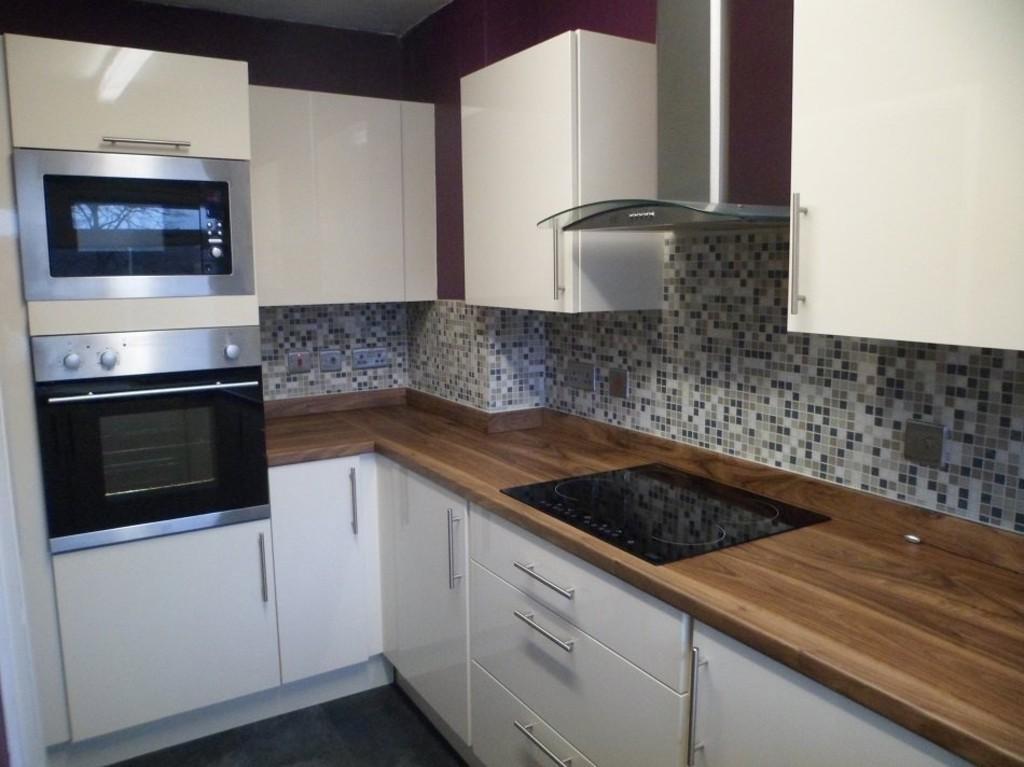 2 Bedrooms Maisonette Flat for rent in Queens Court, Hertford