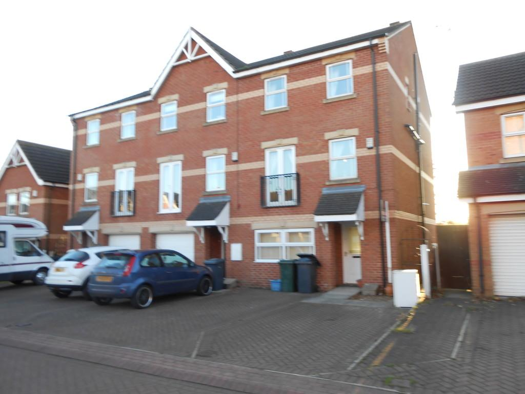 3 Bedrooms Town House for sale in Yew Tree Close, Thurcroft