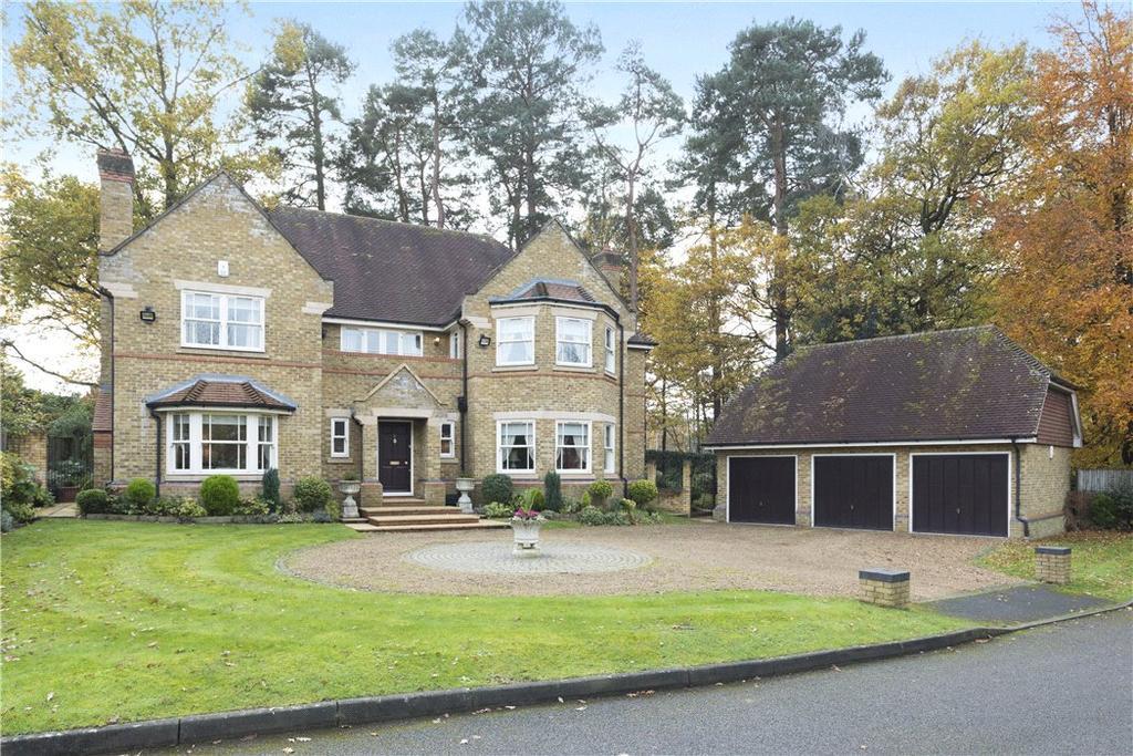 5 Bedrooms Detached House for sale in Sandringham Park, Cobham, Surrey, KT11