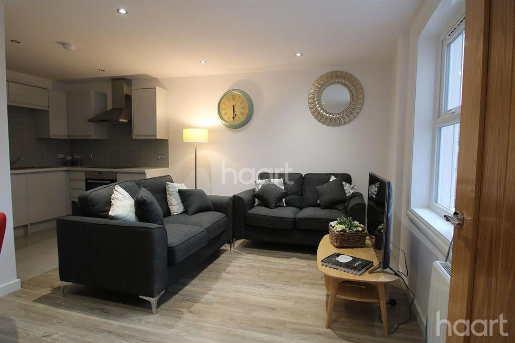 2 Bedrooms Flat for sale in West Bar Street