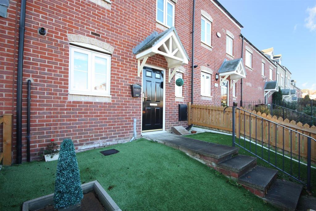 3 Bedrooms Town House for sale in Yewdall Road, Rodley