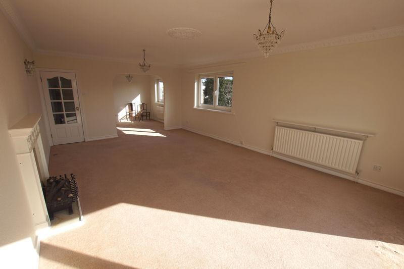 3 Bedrooms Apartment Flat for rent in The Avenue, Branksome Park