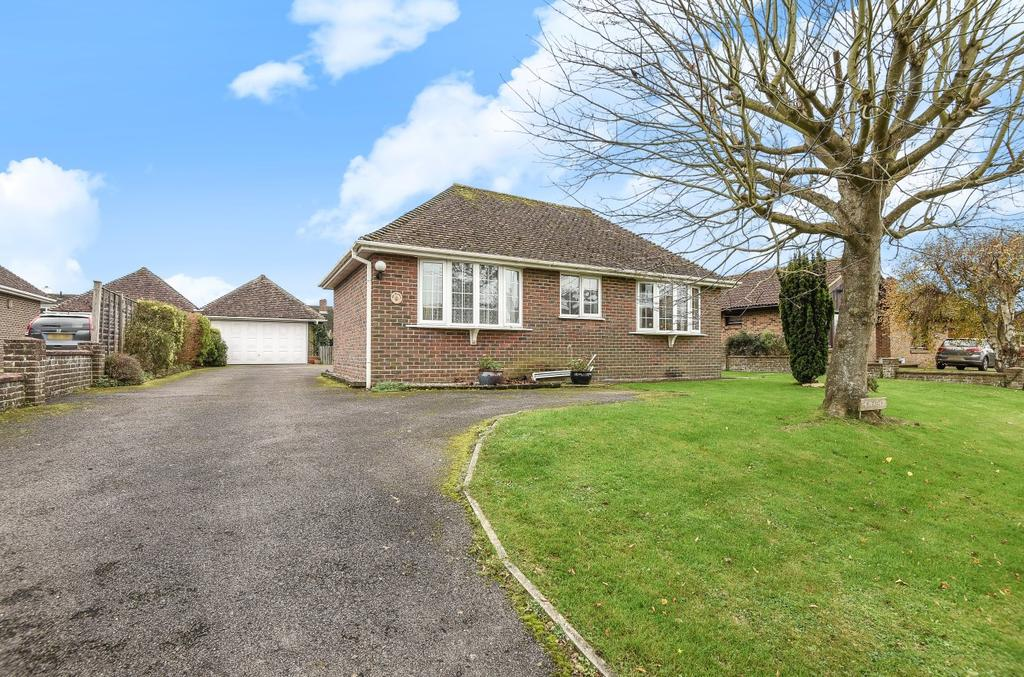 3 Bedrooms Detached Bungalow for sale in Elms Lane, West Wittering, PO20
