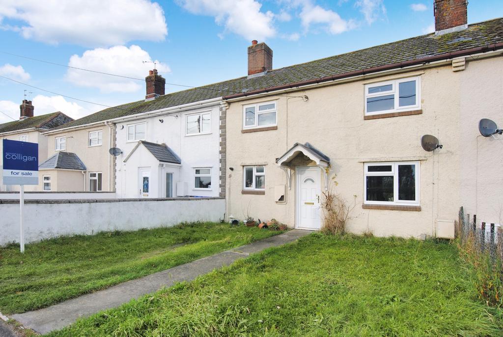 3 Bedrooms Terraced House for sale in Larkhill Road, Durrington, Salisbury
