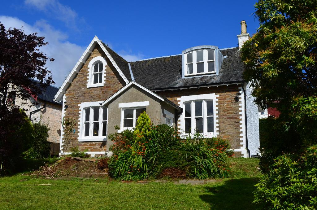 3 Bedrooms Detached House for sale in Argyll Road, Kilcreggan, Argyll Bute, G84 0JY