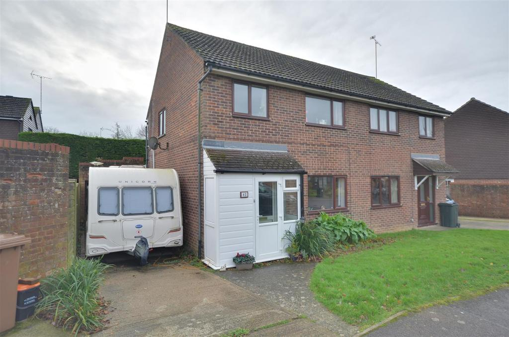 3 Bedrooms Semi Detached House for sale in Henley Fields, St. Michaels