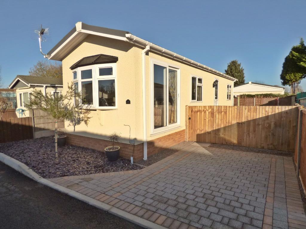 2 Bedrooms Park Home Mobile Home for sale in Link Way, Fayre Oaks Home Park, Hereford