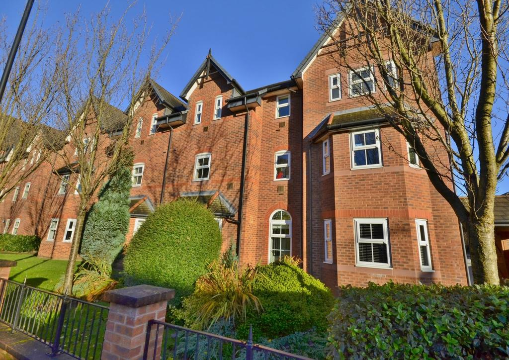 2 Bedrooms Apartment Flat for sale in New Copper Moss, Hale, Altrincham