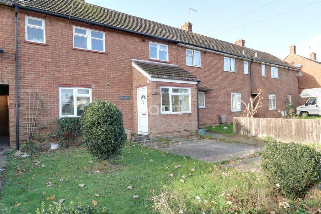 3 Bedrooms Terraced House for sale in Finchingfield Way, Colchester.