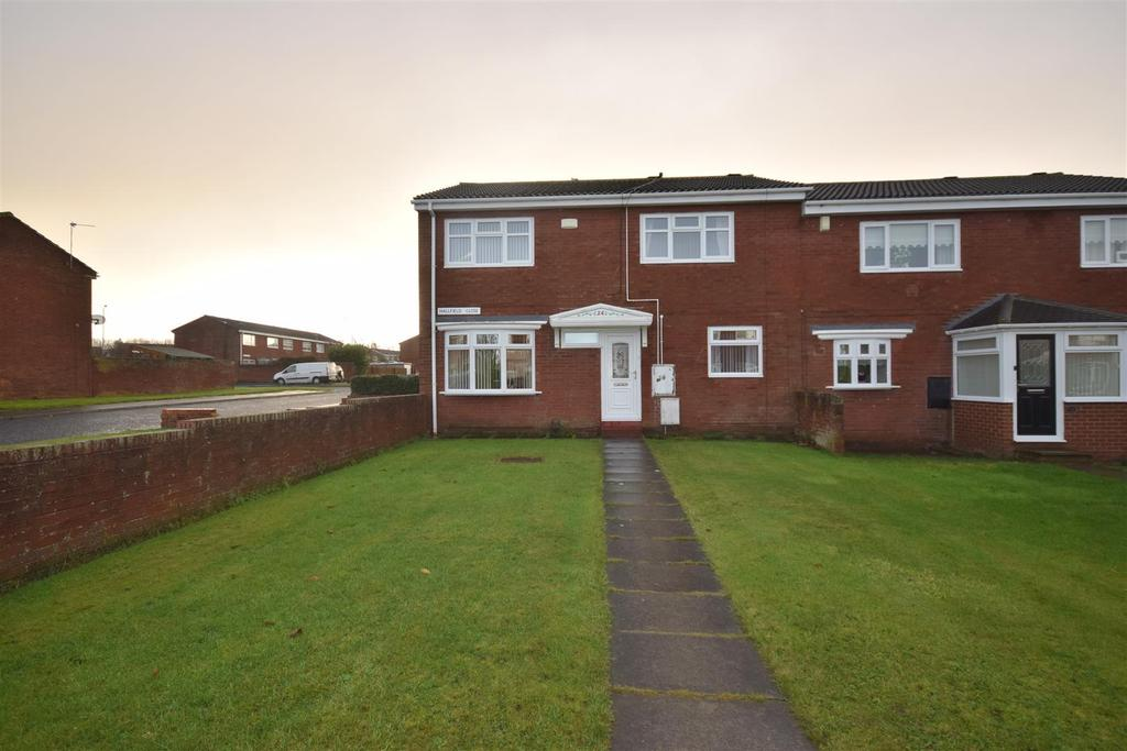 4 Bedrooms Semi Detached House for sale in Hallfield Close, Sunderland