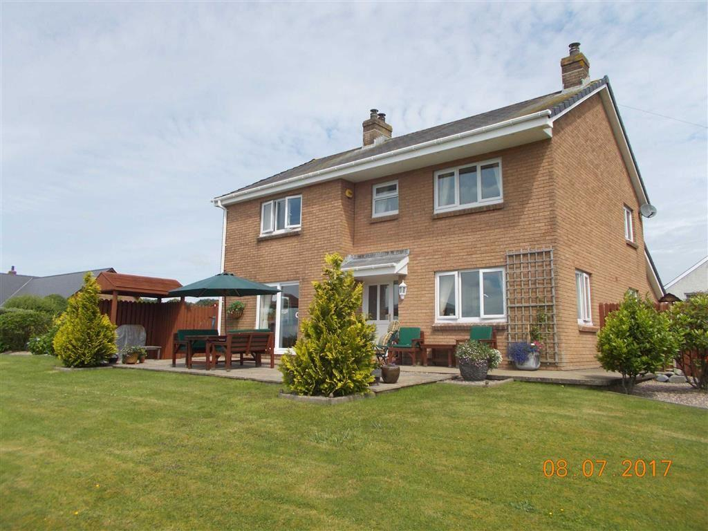 4 Bedrooms Detached House for sale in Ffostrasol, Llandysul, Carmarthenshire