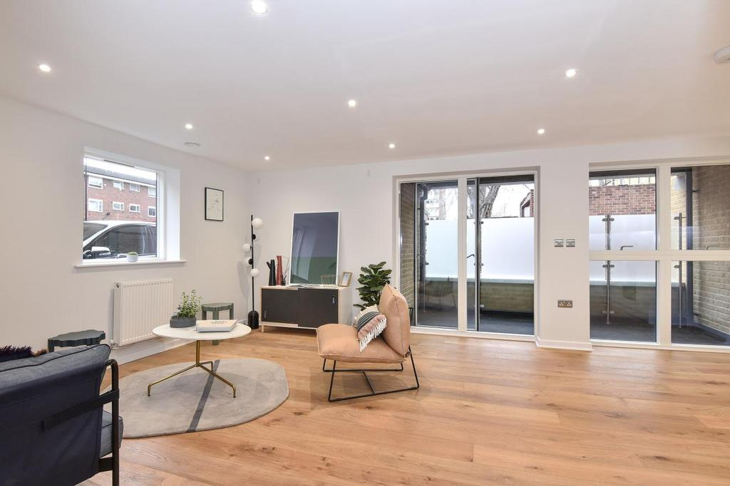 2 Bedrooms Flat for sale in Palfrey Place, Oval