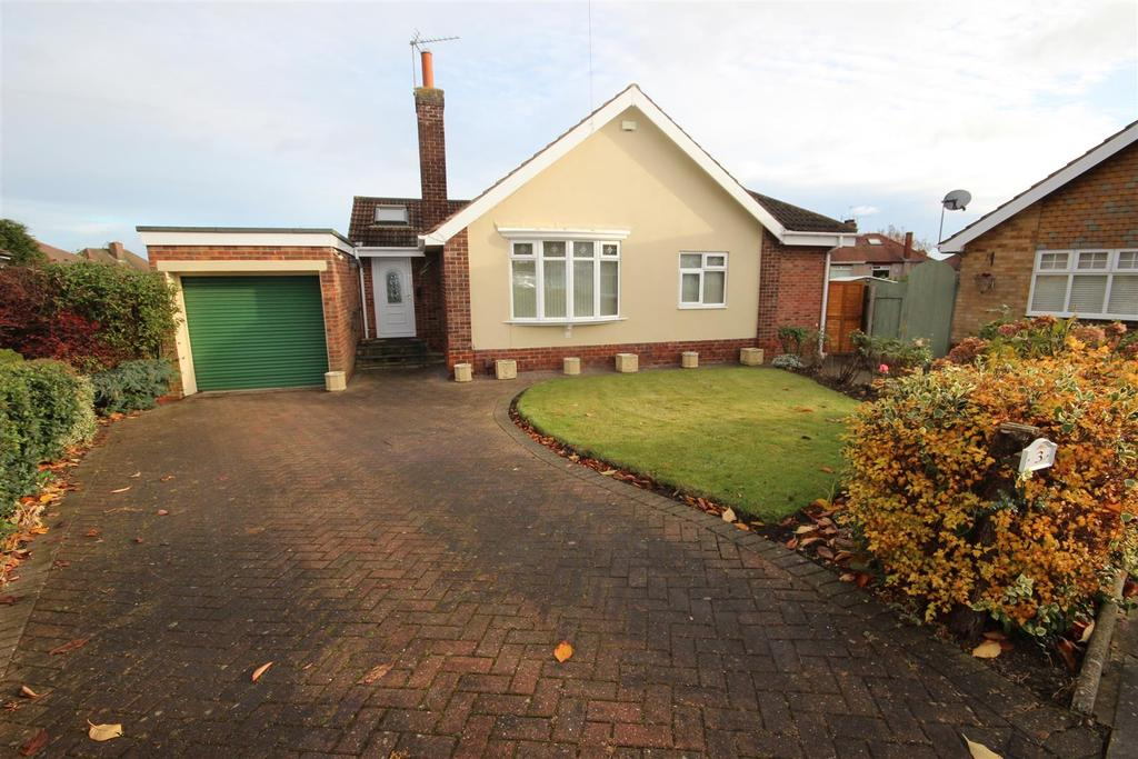 3 Bedrooms Detached Bungalow for sale in Grove Close, Hartlepool