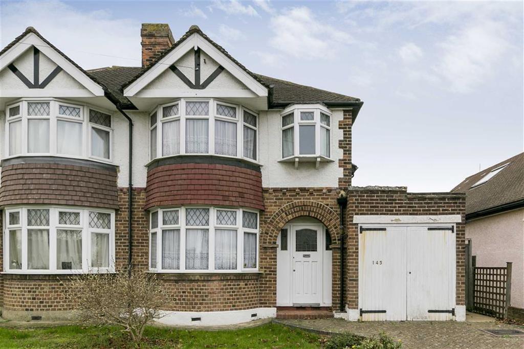 3 Bedrooms Semi Detached House for sale in Newbury Gardens, Stoneleigh, Surrey