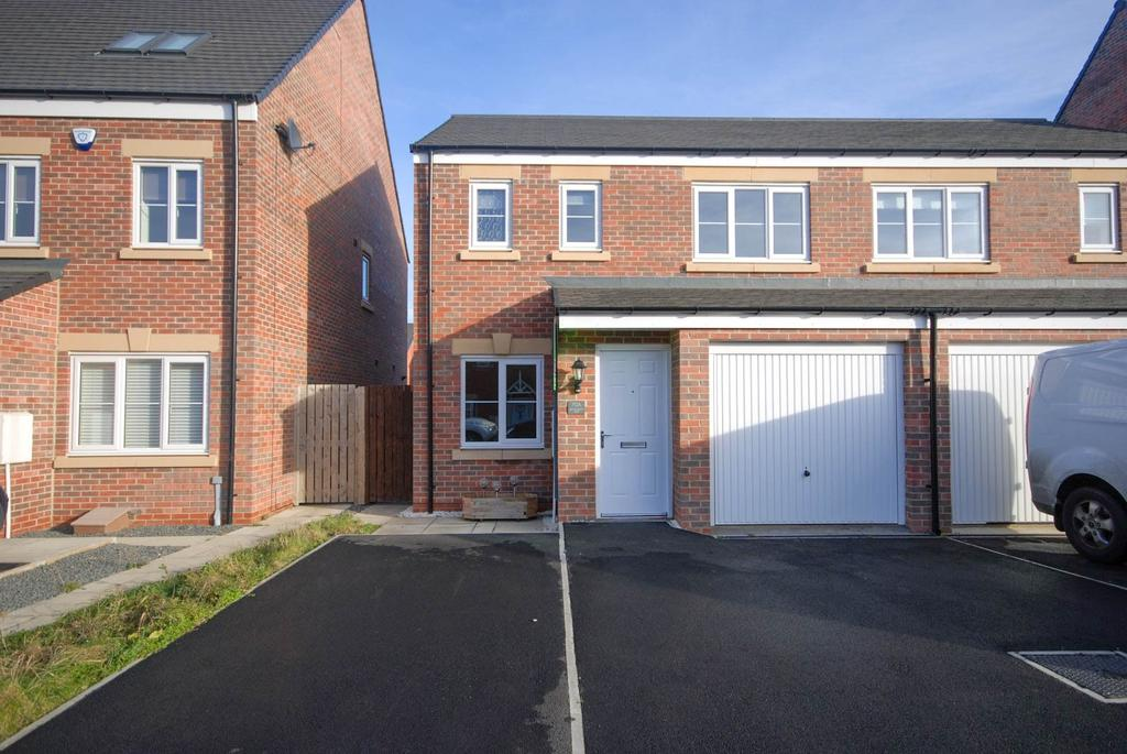 3 Bedrooms Semi Detached House for sale in Sandringham Way, Roseberry Park, Newfield